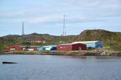 Visseninstallatie op de bank van de Barentsz Zee Het gebied van Moermansk Royalty-vrije Stock Afbeelding