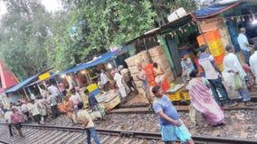 Vissenmarkt in Kolkata dichtbij Spoorlijn royalty-vrije stock foto