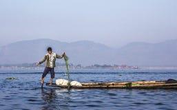 Visser bij Inle-Meer stock fotografie