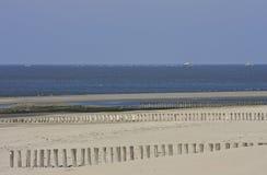 Visserij en het verschepen bij Nederlandse Wadden Overzees dichtbij Ameland Stock Afbeeldingen