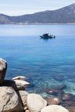Visserij in Meer Tahoe stock foto's