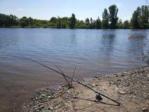 Visserij op de rivier Moskou in Yelabuga Republiek Tatarstan royalty-vrije stock foto