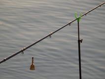 Visserij op het meer in Kaluga Stock Afbeelding