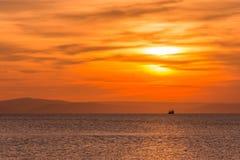 Visserij op zonsondergang Royalty-vrije Stock Foto