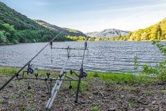 Visserijavonturen Vistuig voor het carpfishing Stock Afbeelding