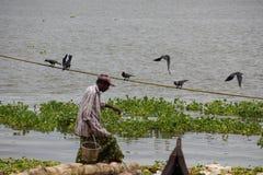 Vissers in Cochin (Kochin) van India Stock Afbeeldingen
