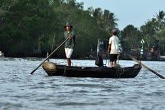 Vissers in de Mekong delta, Vietnam Stock Foto's