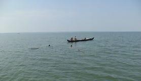 Vissers die vissen, Kerala, India vangen Royalty-vrije Stock Foto