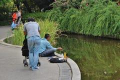 Vissers in Fuxing-Park, Shanghai royalty-vrije stock afbeelding