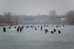 Vissers op het kanaal Stock Fotografie