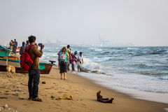 Vissers op het strand Marina Beach Stock Fotografie