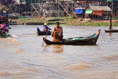 Vissers, Tonle-Sap, Kambodja stock foto's