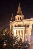 Vissersbastion bij nacht, Boedapest, Hongarije Stock Foto