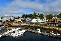 Vissersboot bij de haven van Gloucester, Massachusetts Stock Foto