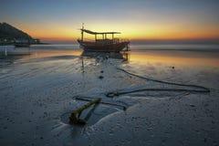 Vissersboot bij rayong Royalty-vrije Stock Foto's