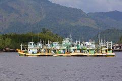 Vissersboot in Kuraburi in Thailand Stock Afbeelding