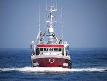 Vissersboot Lopend bij Snelheid stock foto