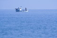 Vissersboot op de Middellandse Zee stock foto