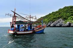 Vissersboot op het overzees, Thailand Royalty-vrije Stock Fotografie