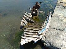 Vissersbootwrak royalty-vrije stock afbeeldingen
