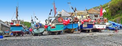 Vissersboten bij de kust van Cornwall Royalty-vrije Stock Afbeelding