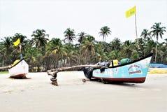 Vissersboten bij het strand Royalty-vrije Stock Afbeelding