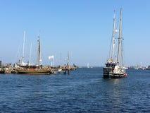 Vissersboten in de Baltische Zeehaven van Heiligenhafen, Duitsland Stock Fotografie