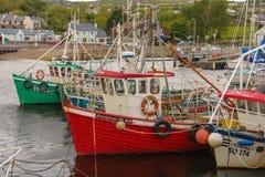 Vissersboten in de haven Greencastle Inishowen Donegal ierland royalty-vrije stock foto's