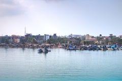 Vissersboten in de haven van Goa, India royalty-vrije stock afbeeldingen