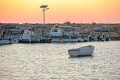 Vissersboten in haven Royalty-vrije Stock Afbeelding