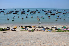 Vissersboten in Mui Ne, Vietnam Stock Foto