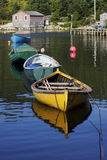 Vissersboten in Noordwesteninham, Nova Scotia stock foto's