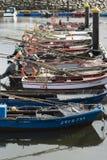Vissersboten op een dok stock foto