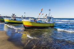 Vissersboten op het strand Stock Foto