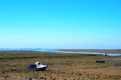 Vissersboten op het strand van Puerto Echt in Cadiz Stock Foto