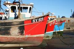 Vissersboten in Tenby, Wales royalty-vrije stock afbeeldingen