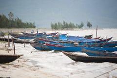 Vissersboten Vietnam royalty-vrije stock foto's