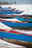 Vissersboten Vietnam stock afbeeldingen