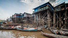 Vissersdorp van Kompong Khleang bij Tonle-Sapmeer, Kambodja stock fotografie