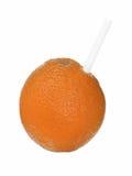 Vissnad orange hud med sugrör som isoleras på vit royaltyfria foton