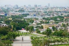 Vista à cidade de Santo Domingo do telhado do farol de Christopher Columbus em Santo Domingo, República Dominicana imagens de stock royalty free