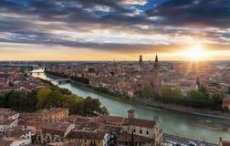 Vista à cidade velha de Verona, Itália Fotos de Stock Royalty Free