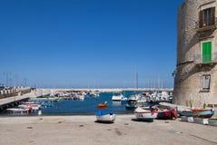 Vista à costa de mar de Giovinazzo imagem de stock