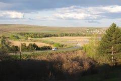 Vista à estrada de Poltava na área do lago Suruceni Fotografia de Stock Royalty Free