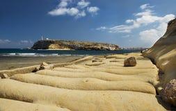 Vista à ilha dos retentores do St em Malta no dia agradável ensolarado, retentores ilha do St, Malta, Europa, vista panorâmica da Imagens de Stock