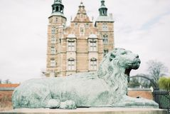 Vista única del castillo de Rosenborg en Copenhague Dinamarca fotografía de archivo libre de regalías