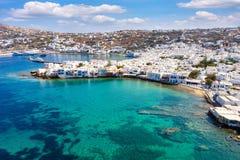Vista aérea à cidade da ilha de Mykonos, Cyclades, Grécia imagem de stock