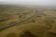 Vista aérea al camino y al paisaje Imagen de archivo libre de regalías
