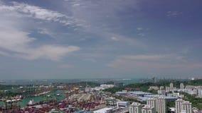 Vista aérea al puerto de Singapur Movimiento rápido almacen de metraje de vídeo