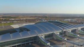 Vista aérea ao aeroporto de Platov em Rússia video estoque